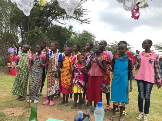 Kids Singing - Closing